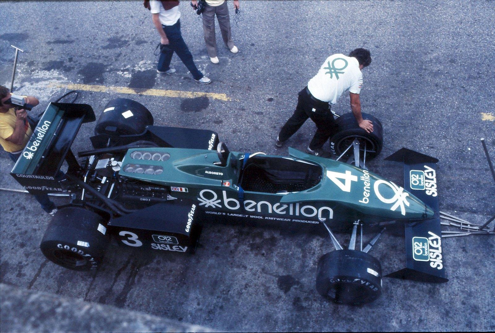 Tyrrel F1 1983 - Monza terrace box...