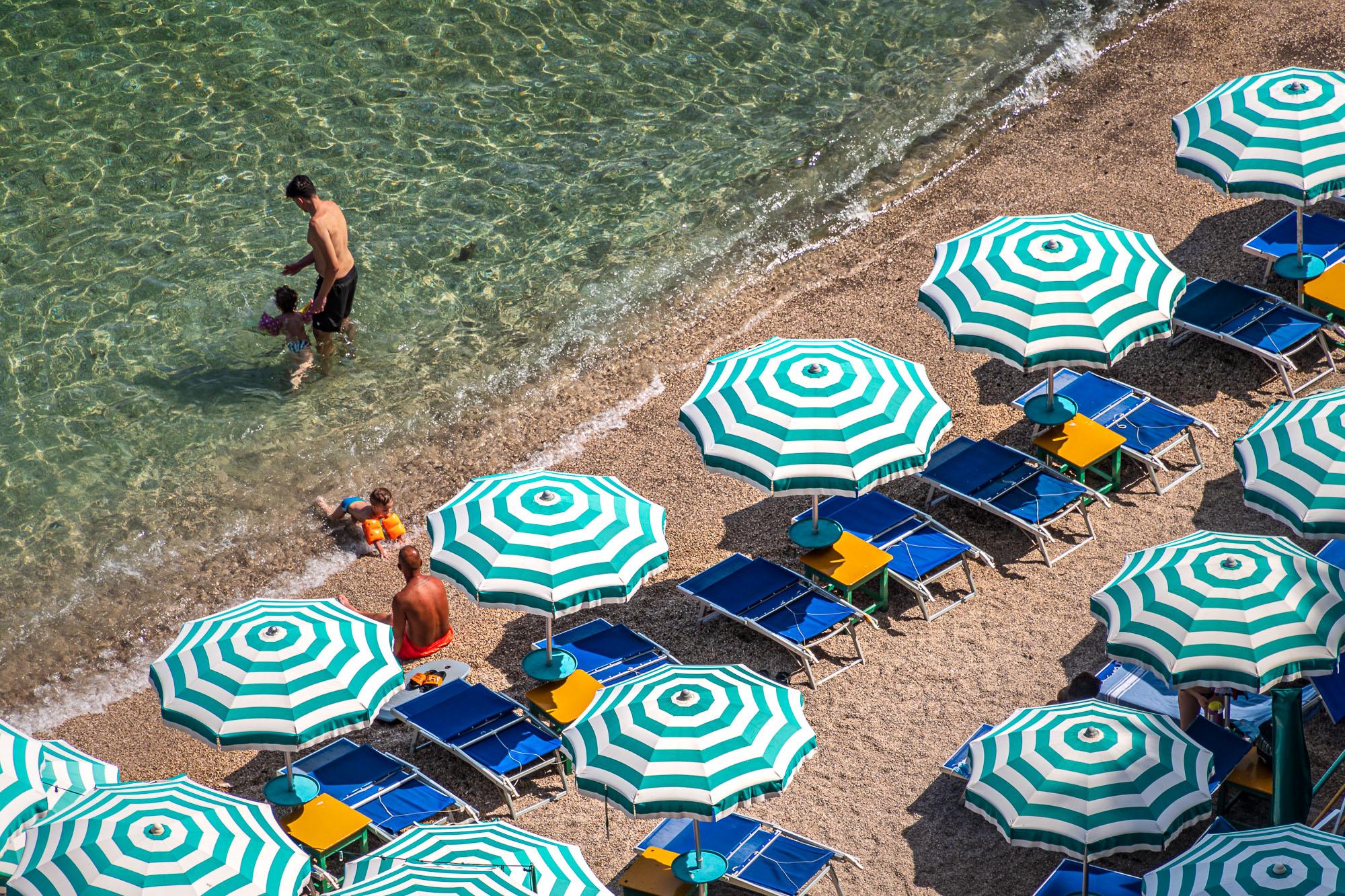 Sole e ombrelloni...