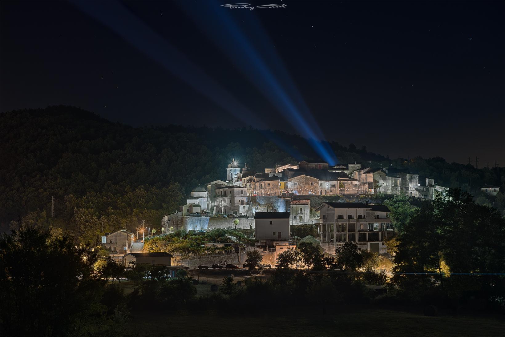 Luci nella notte_Pratella...