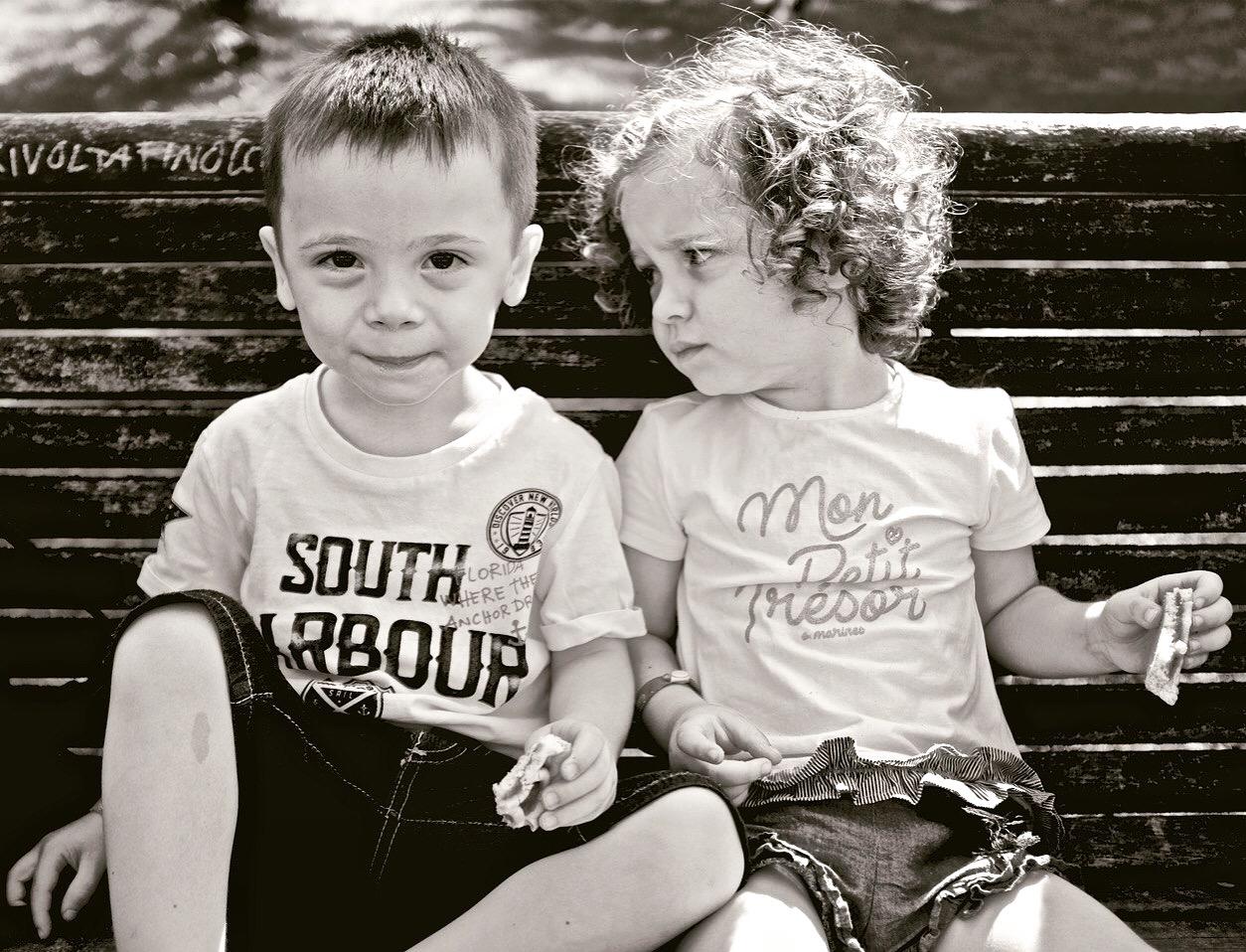 Twins friends...