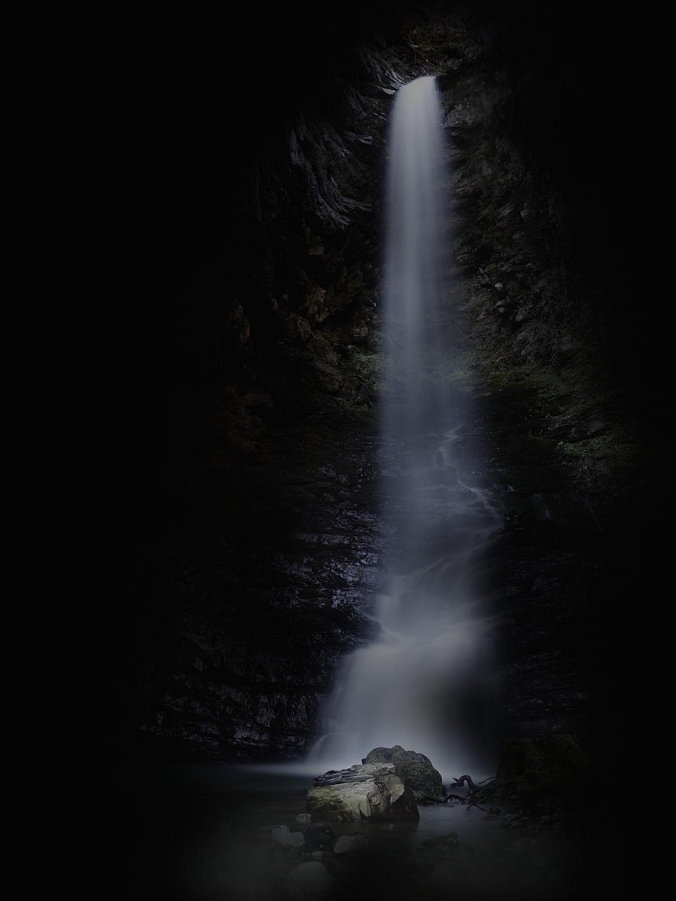 Colombara Falls ...