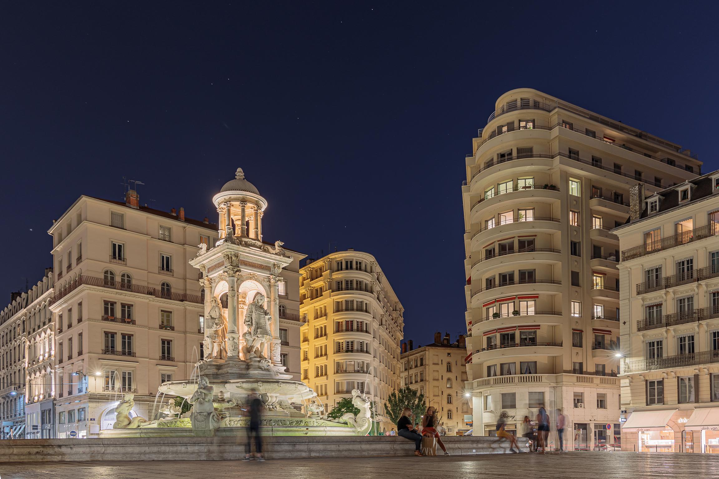 Lyon, Place des Jacobins...