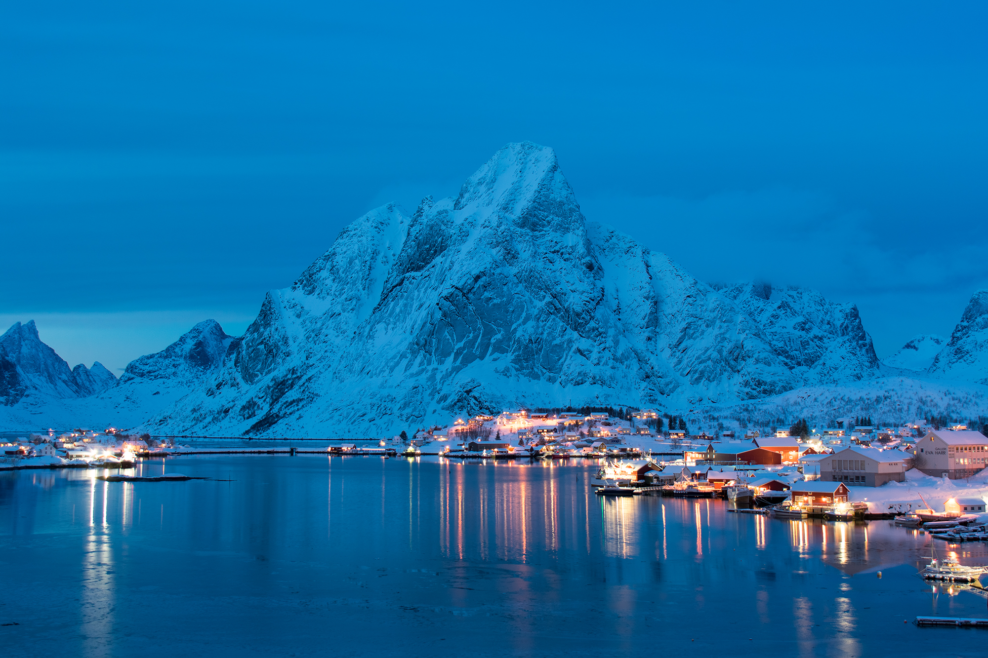 Blue Hour in Reine...