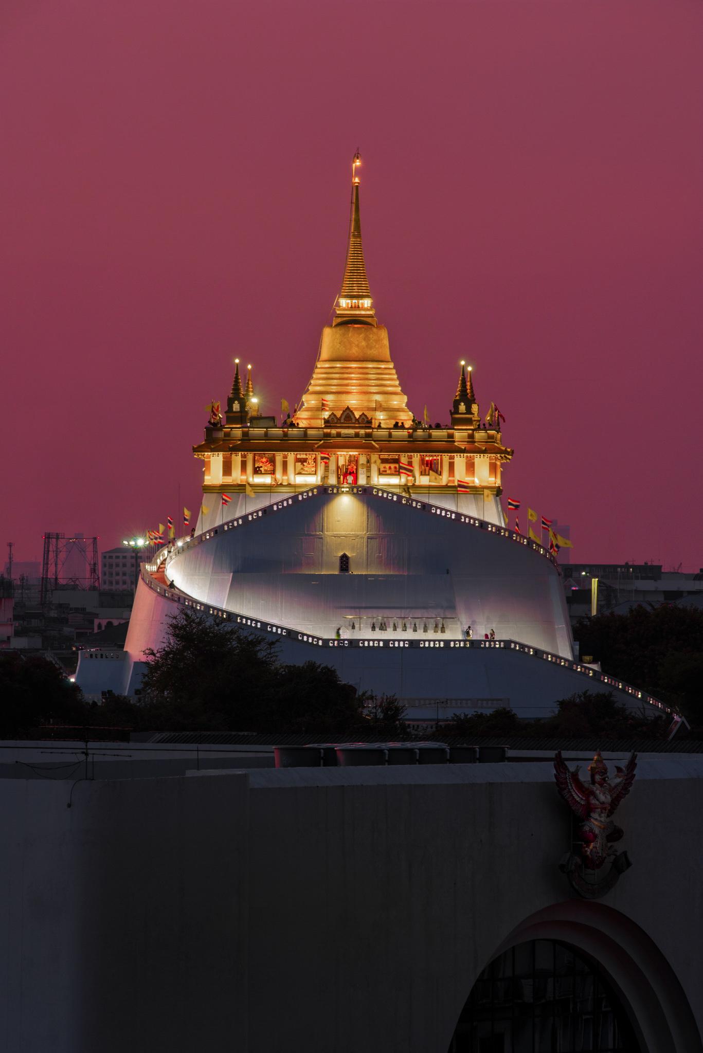 Wat Saket, golden mount...