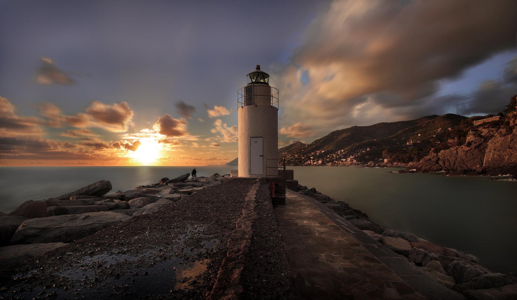 Camogli the Lighthouse...