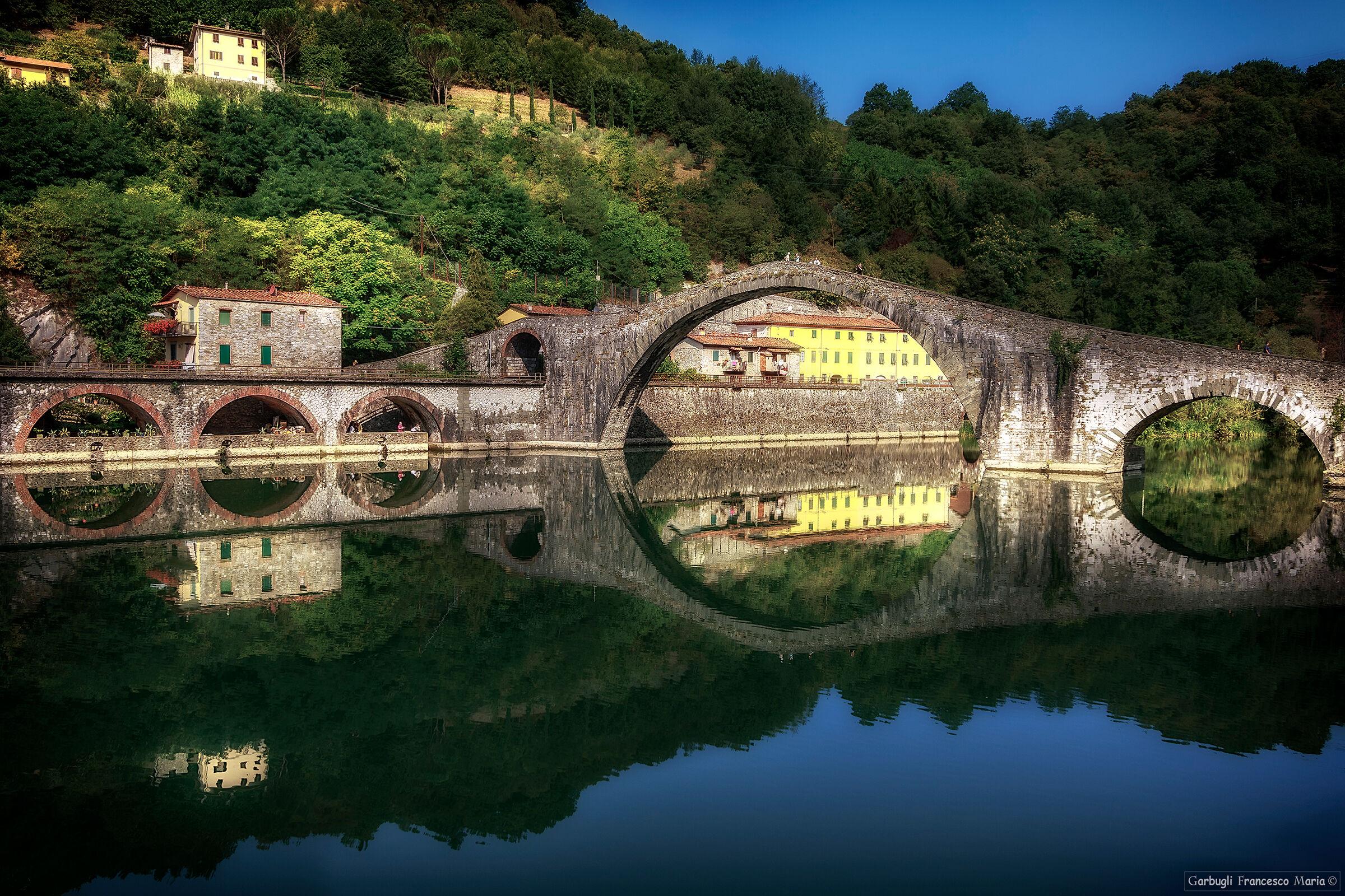 Circles on the Serchio - Magdalene Bridge...
