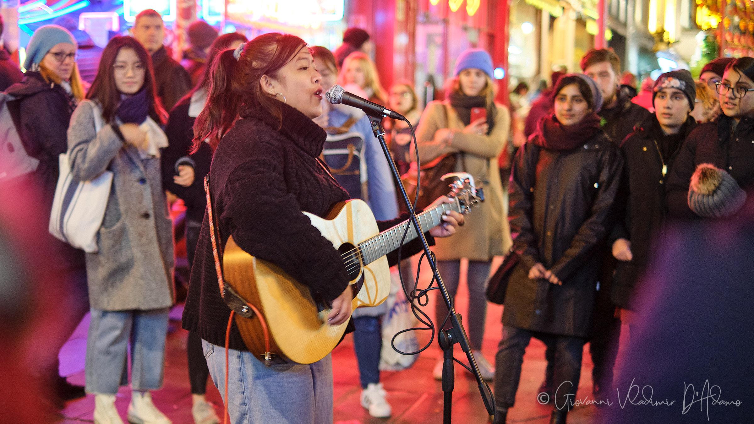 Street singer v.2...