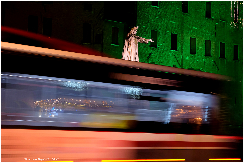 Autodafé - Savonarola and preaches it to the world...
