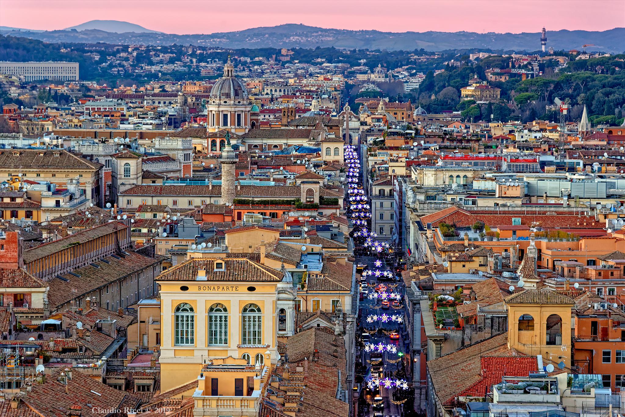 Rome, Panorama on Via del Corso...