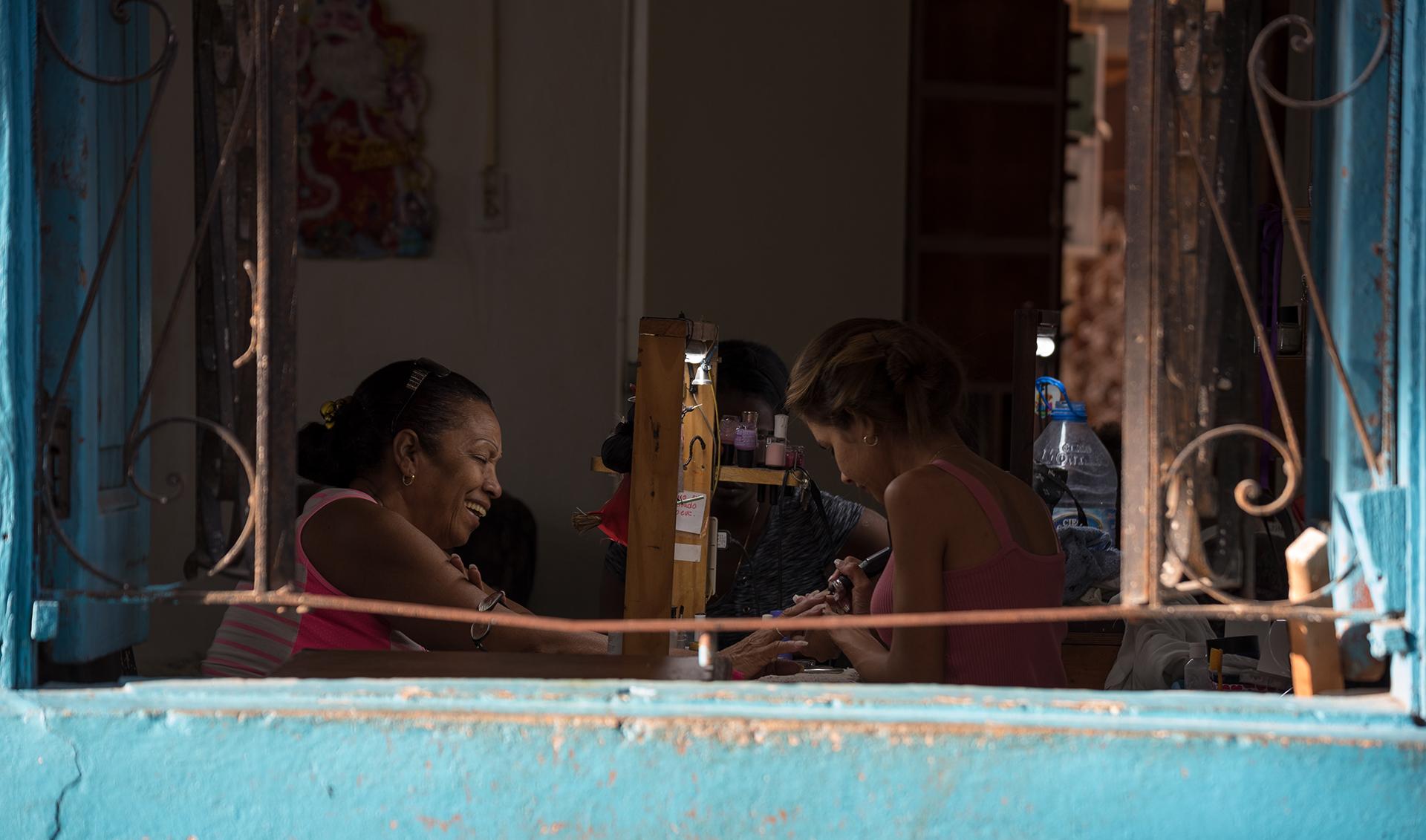 Risas y Manicura - Havana...