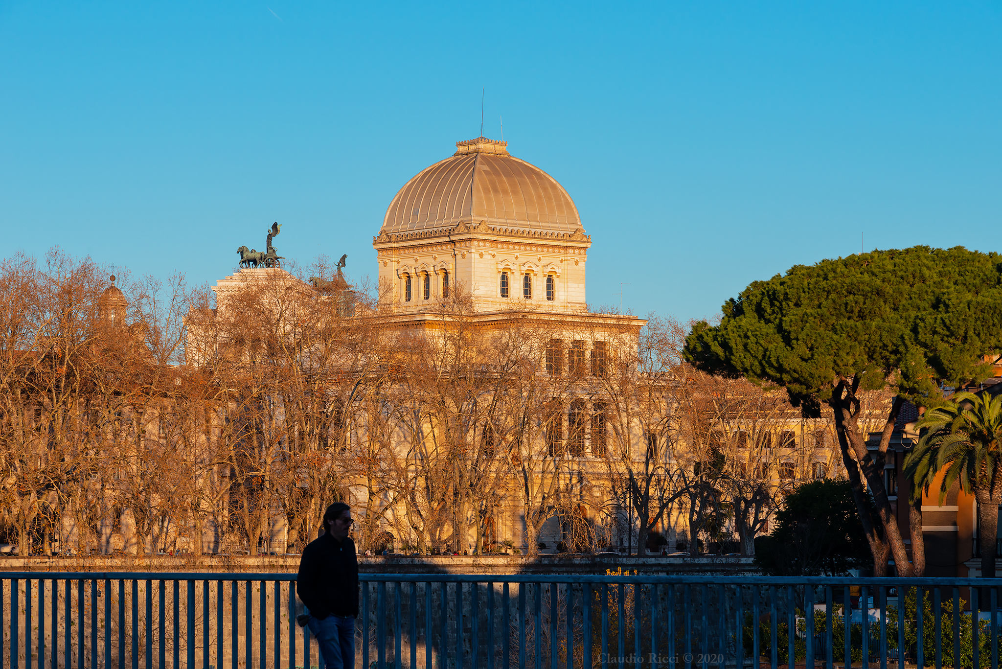 Longtevere and Synagogue, Rome 6 January 2020...