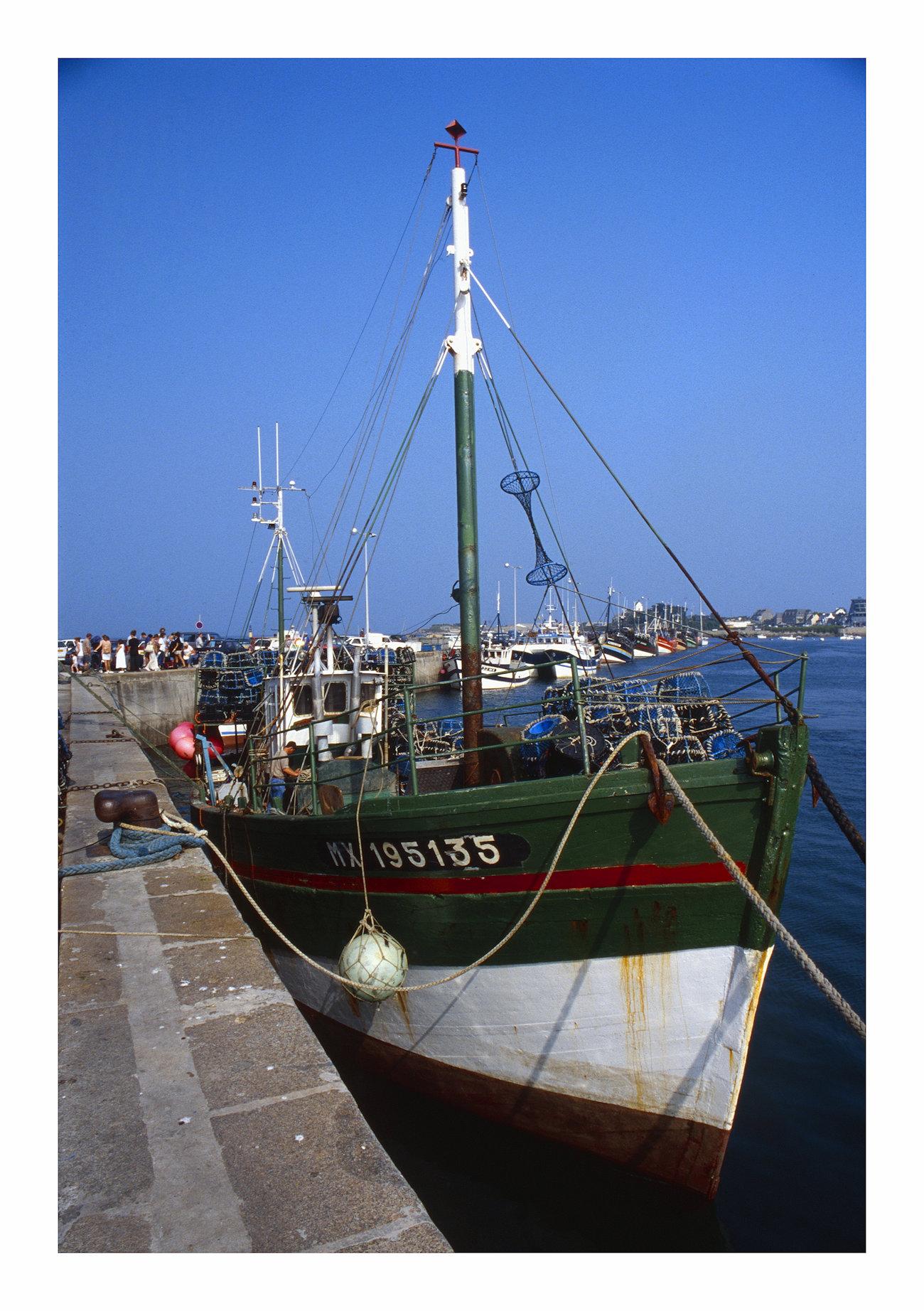 Peschereccio nel porto di Cancale...