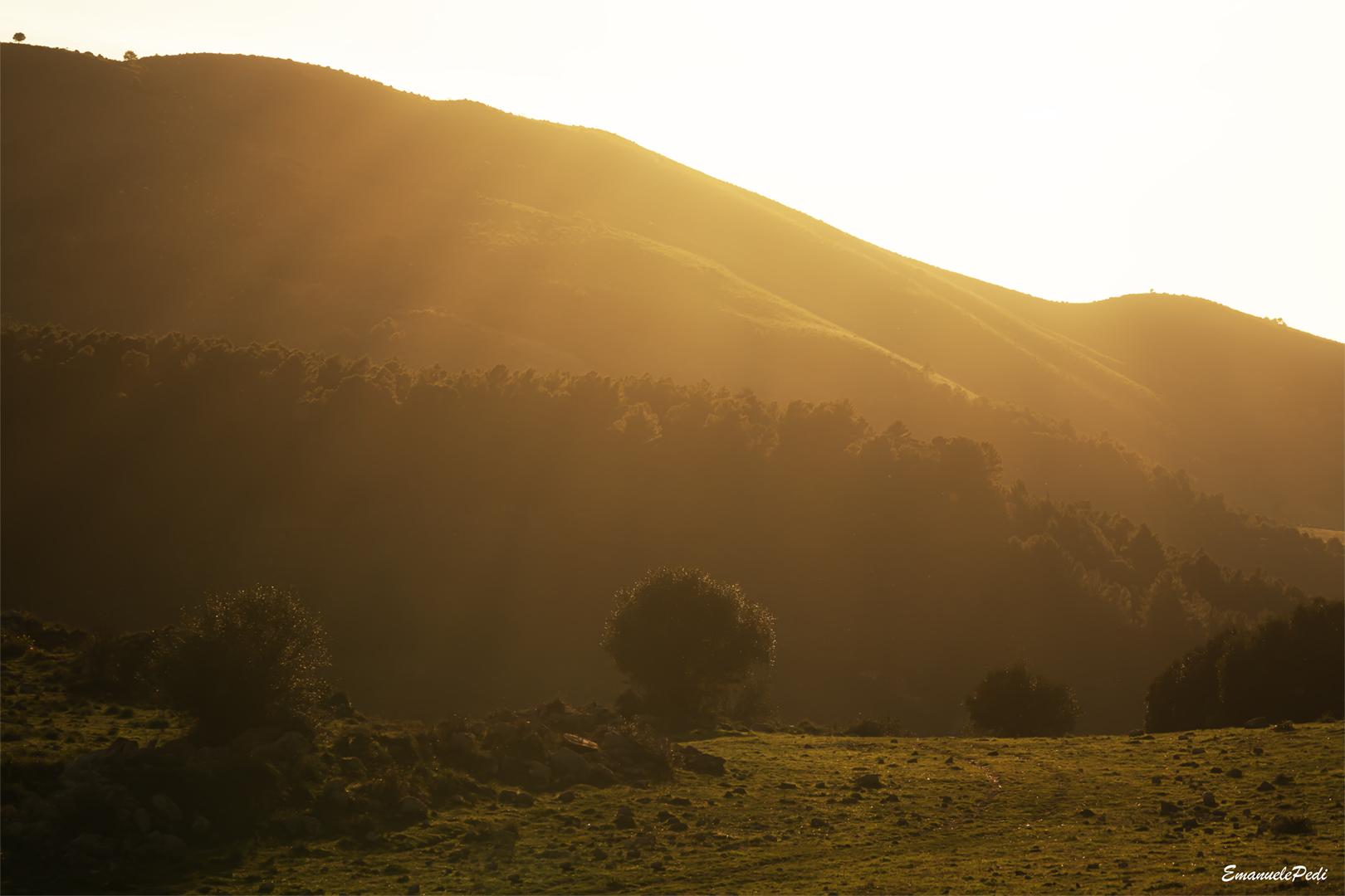 tramonto tra le montagne...