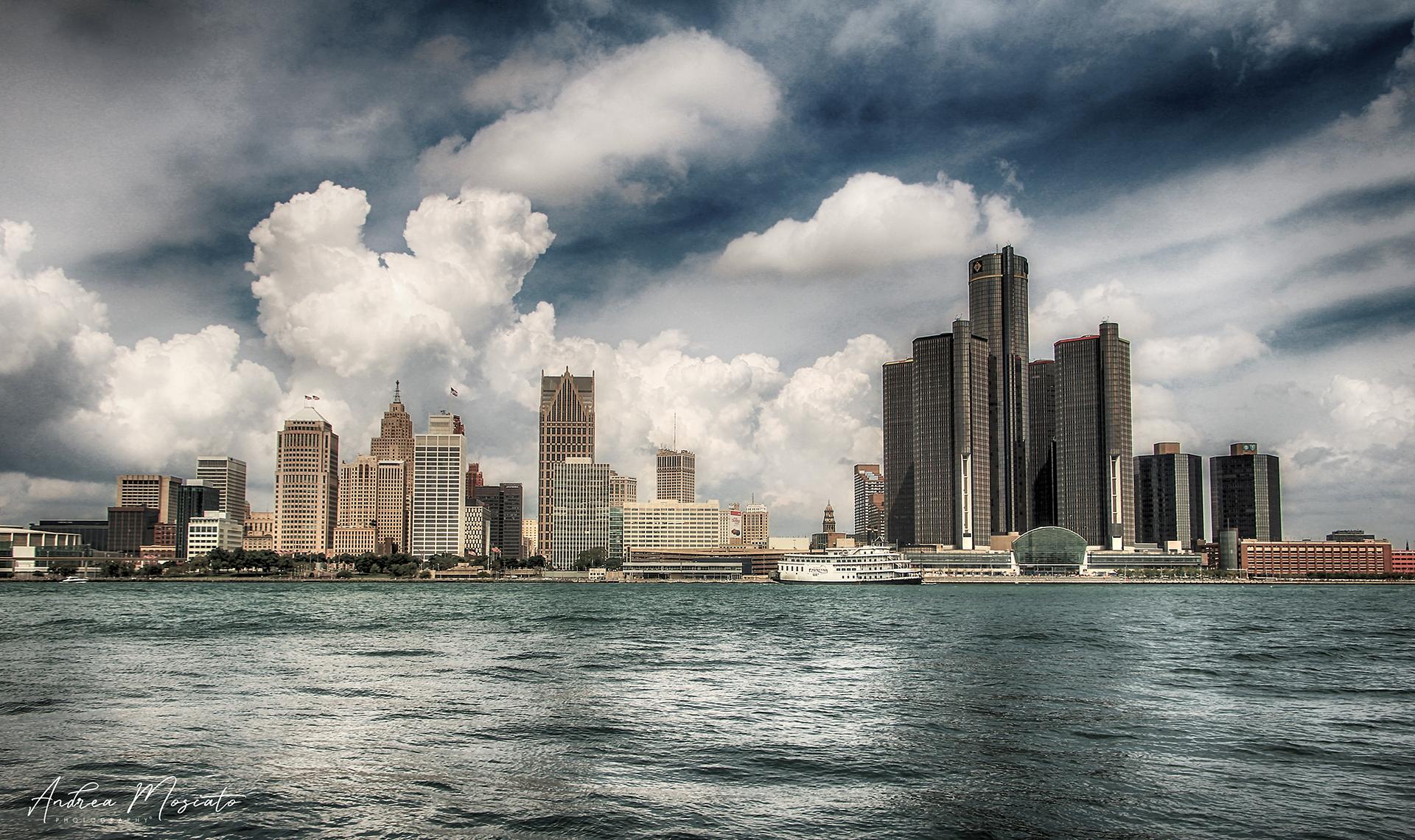 Detroit Skyline, New York ...