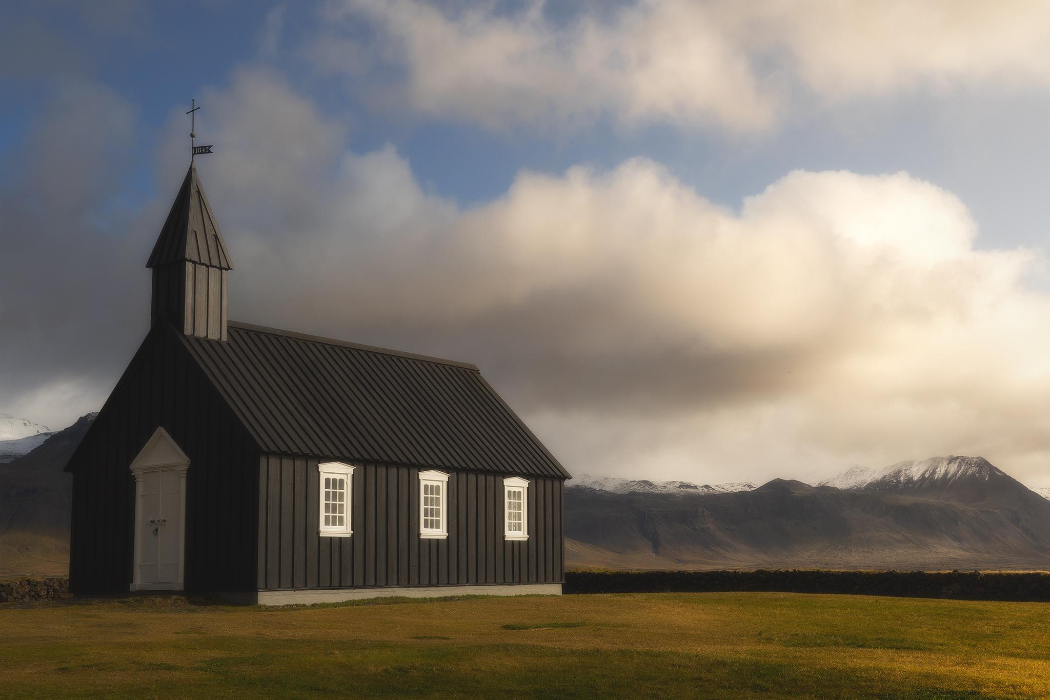 Budir black church...