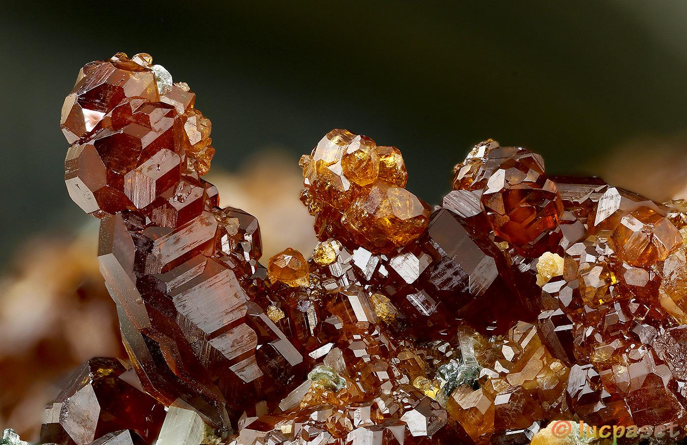 Grossularia gar garuline crystals...