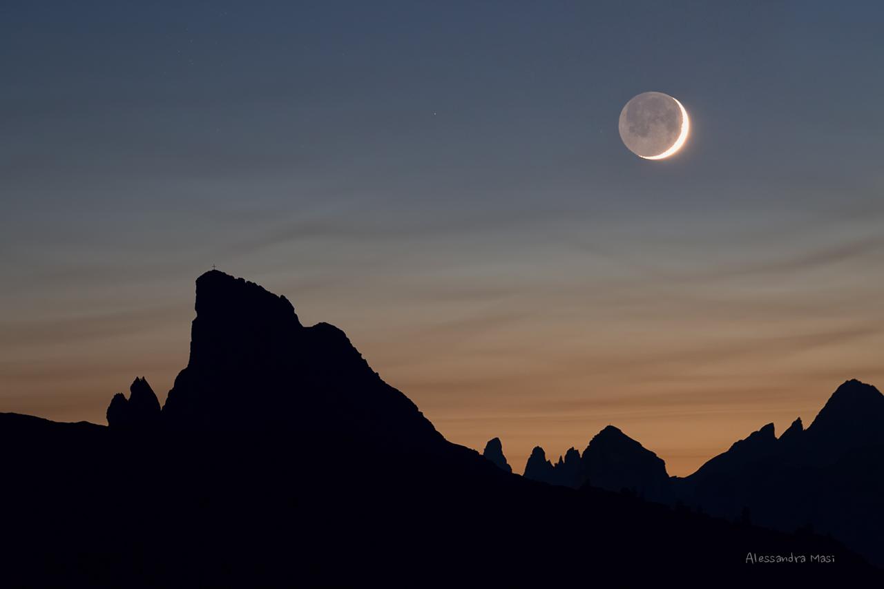 The Moon and the Sass de Stria...